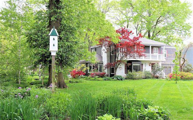 3909 W 57th Street, Fairway, KS 66205 (#2224636) :: Team Real Estate