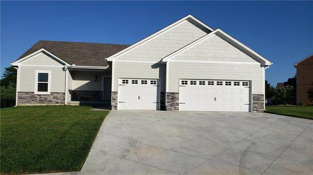 946 Owl Creek Parkway, Odessa, MO 64076 (#2224833) :: The Shannon Lyon Group - ReeceNichols
