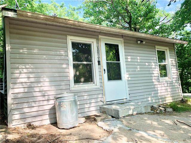 3013 N 6th Street, St Joseph, MO 64505 (#2224886) :: Eric Craig Real Estate Team