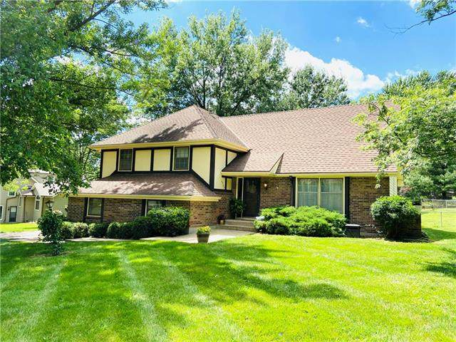 4305 Stonecrest Drive, St Joseph, MO 64506 (#2225483) :: House of Couse Group