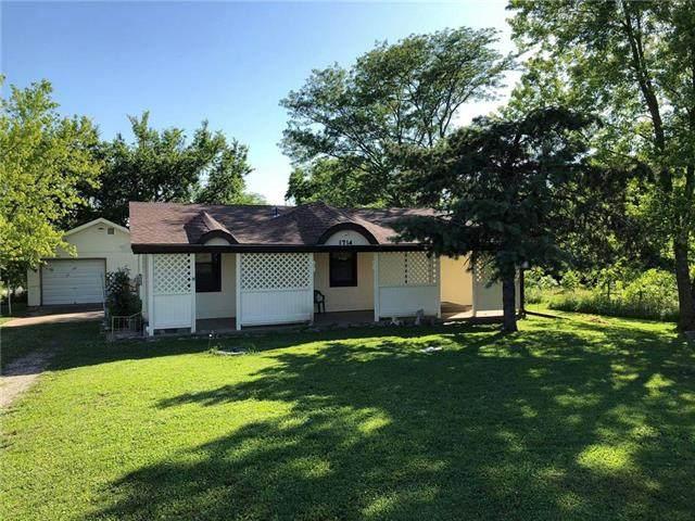 649 N Linn Valley Drive, Linn Valley, KS 66040 (#2225496) :: Eric Craig Real Estate Team