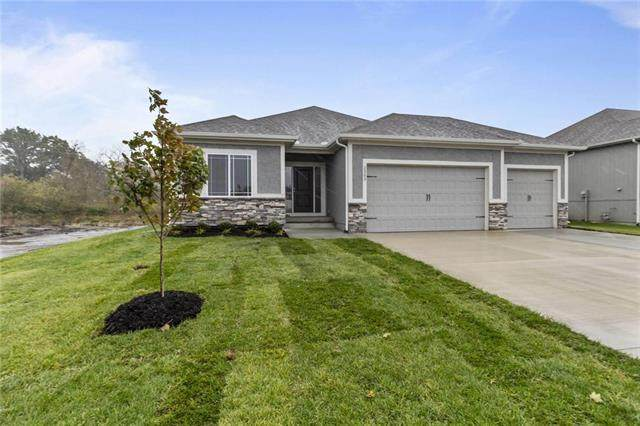 1297 NW Hickorywood Court, Grain Valley, MO 64029 (#2225594) :: Ron Henderson & Associates