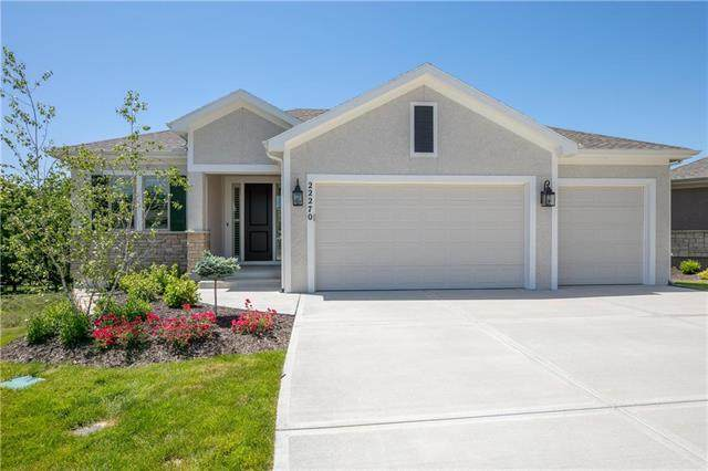 22270 W 98th Terrace, Lenexa, KS 66220 (#2225663) :: Five-Star Homes