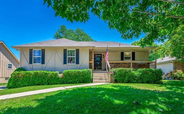 1211 NE Ridgeview Drive, Lee's Summit, MO 64086 (#2225738) :: Eric Craig Real Estate Team