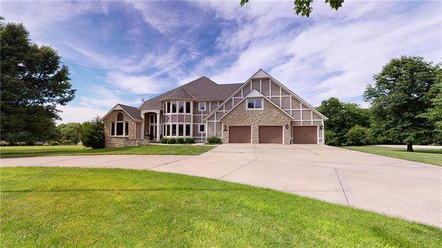 4358 W 188th Street, Stilwell, KS 66085 (#2225775) :: Jessup Homes Real Estate | RE/MAX Infinity