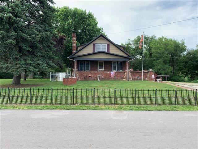 935 East Cliff Street, St Joseph, MO 64504 (#2225805) :: Eric Craig Real Estate Team