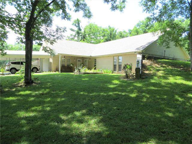 10527 NW State Route 52 Highway, Amoret, MO 64722 (#2225882) :: The Gunselman Team
