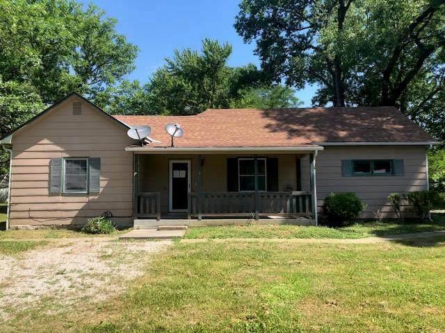109 W 7th Street, Pleasanton, KS 66075 (#2225945) :: Eric Craig Real Estate Team