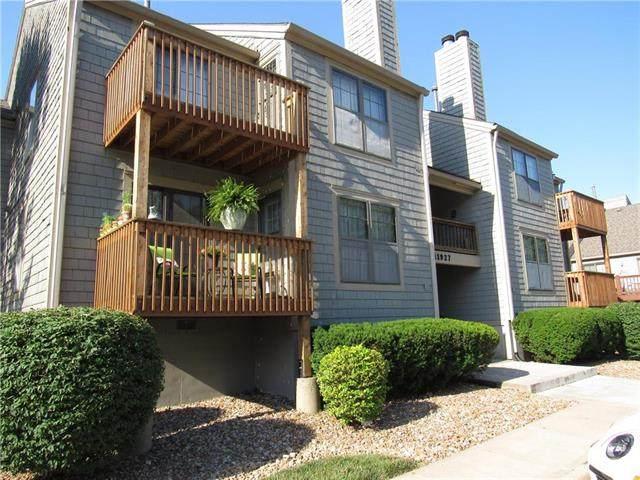 11927 W 58th Terrace F, Shawnee, KS 66216 (#2226014) :: The Shannon Lyon Group - ReeceNichols