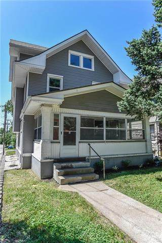 811 E 30th Street, Kansas City, MO 64109 (#2226051) :: Ron Henderson & Associates