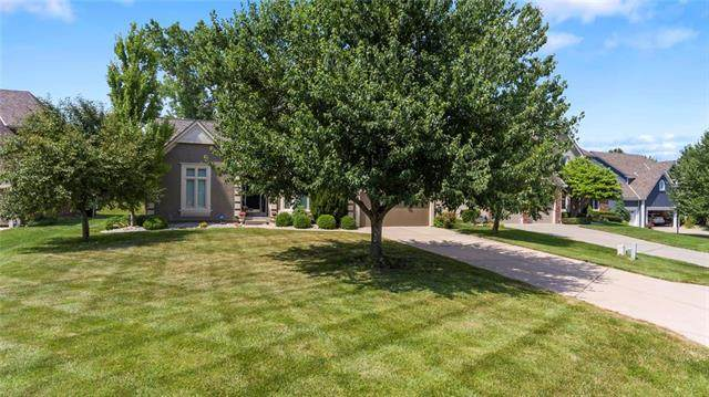7900 NW Sunset Drive, Parkville, MO 64152 (#2226111) :: Audra Heller and Associates