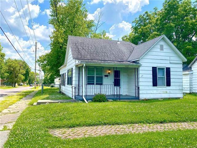 1634 E 5th Street, Sedalia, MO 65301 (#2226191) :: Eric Craig Real Estate Team