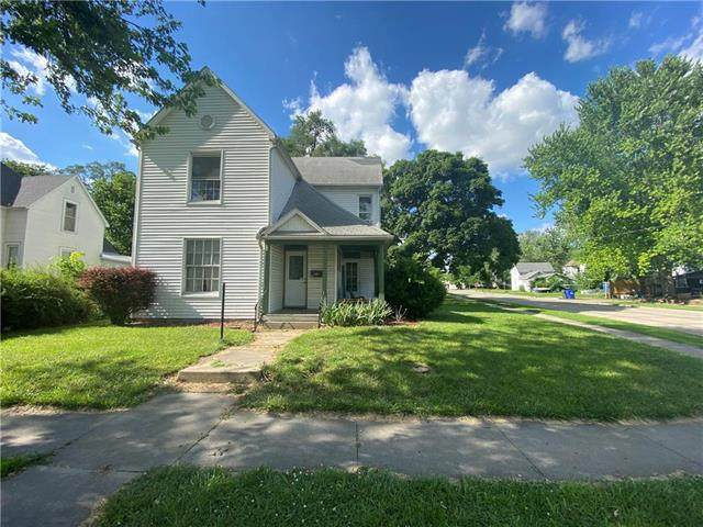 702 Wilkerson Street, Sedalia, MO 65301 (#2226616) :: Eric Craig Real Estate Team