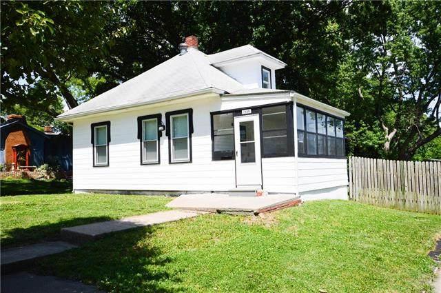 1525 S Osage Street, Independence, MO 64055 (#2226806) :: Eric Craig Real Estate Team