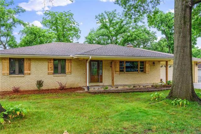 743 Linda Lane, Bonner Springs, KS 66012 (#2227057) :: House of Couse Group