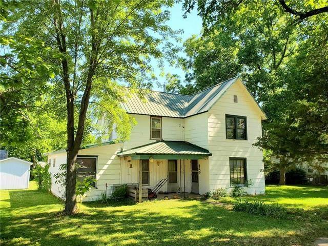 422 Locust Street, Mound City, KS 66056 (#2227198) :: Eric Craig Real Estate Team