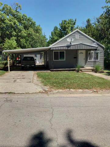 409 W 8th Avenue, Garnett, KS 66032 (#2227204) :: Geraldo Pazar