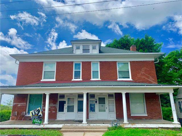 1202 N 10th Street, St Joseph, MO 64501 (#2227297) :: Eric Craig Real Estate Team