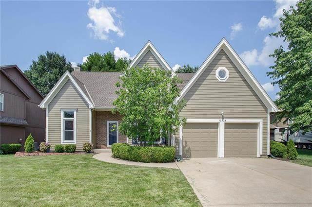 15324 W 144th Terrace, Olathe, KS 66062 (#2227390) :: House of Couse Group