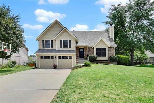 906 N Cedarcrest Drive, Olathe, KS 66061 (#2227552) :: Eric Craig Real Estate Team
