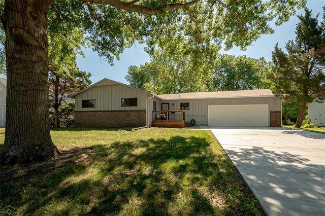 1417 S Ash Street, Ottawa, KS 66067 (#2227578) :: Eric Craig Real Estate Team