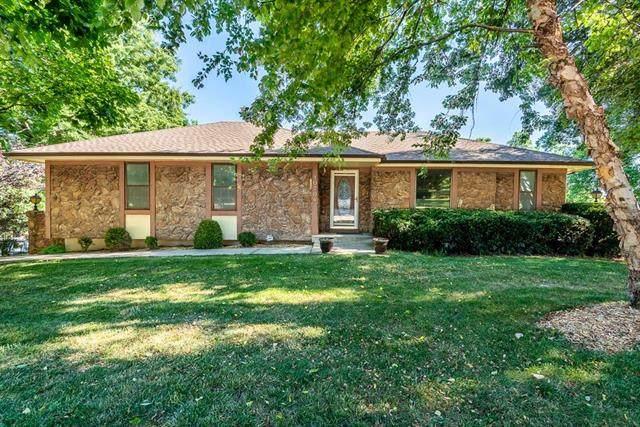 10704 Countryside Drive, Kansas City, KS 66109 (#2227679) :: House of Couse Group