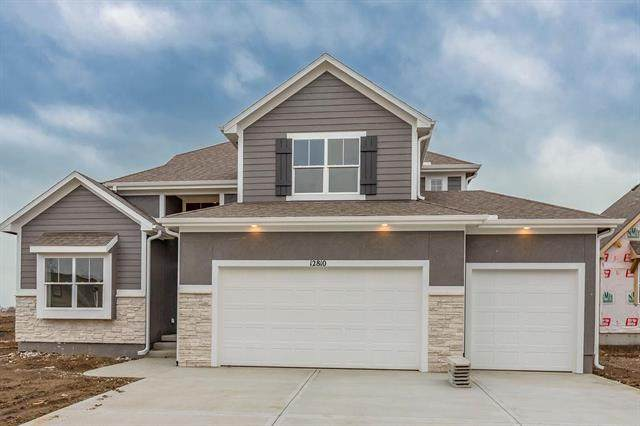 2729 W Concord Drive, Olathe, KS 66061 (#2227740) :: House of Couse Group