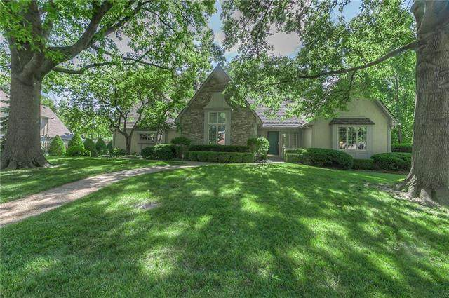 10205 Mohawk Lane, Leawood, KS 66206 (#2227793) :: Team Real Estate
