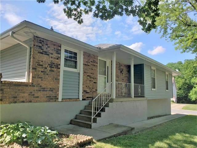 3000 Elmira Avenue, Independence, MO 64057 (#2227828) :: Eric Craig Real Estate Team
