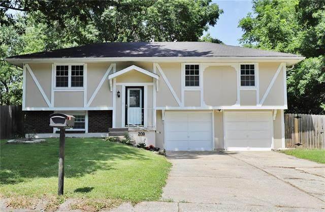 209 SW Shamrock Drive, Blue Springs, MO 64014 (#2228025) :: Team Real Estate