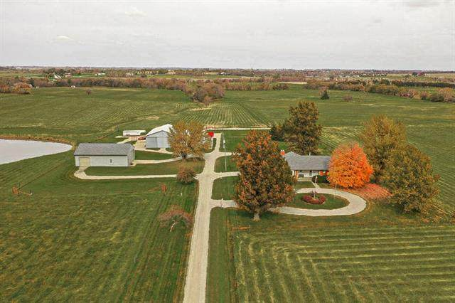 16126 W 231st Street, Spring Hill, KS 66083 (#2228125) :: Dani Beyer Real Estate
