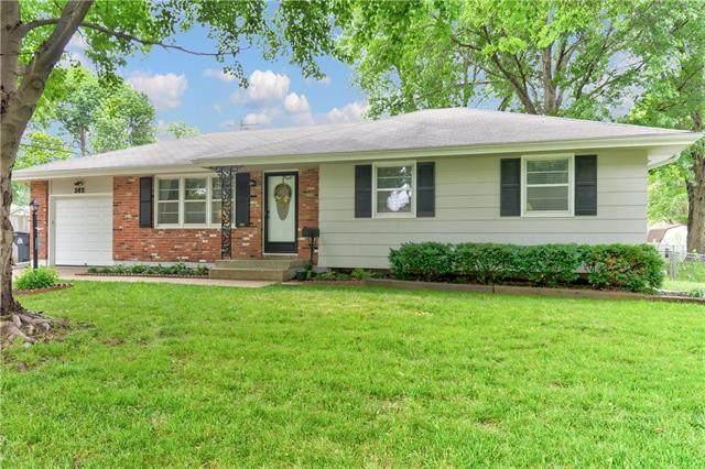 302 SW 5th Street, Blue Springs, MO 64014 (#2228141) :: Team Real Estate
