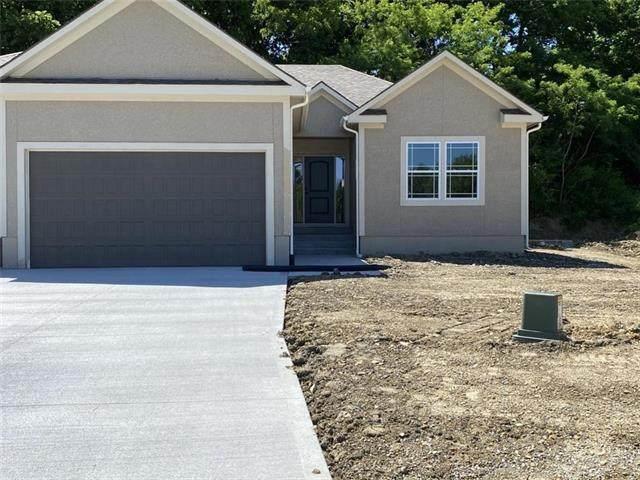 2621 NE Sonora Valley Drive, Blue Springs, MO 64014 (#2228158) :: Ron Henderson & Associates