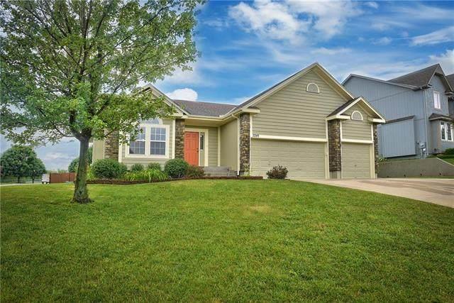 2289 W Forest Drive, Olathe, KS 66061 (#2228211) :: Team Real Estate
