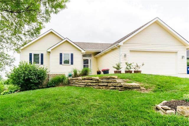 712 N Eagle Pass Drive, Lawrence, KS 66049 (#2228225) :: Eric Craig Real Estate Team