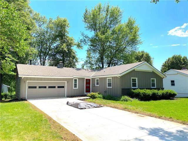 6131 W 86TH Terrace, Overland Park, KS 66207 (#2228233) :: Eric Craig Real Estate Team