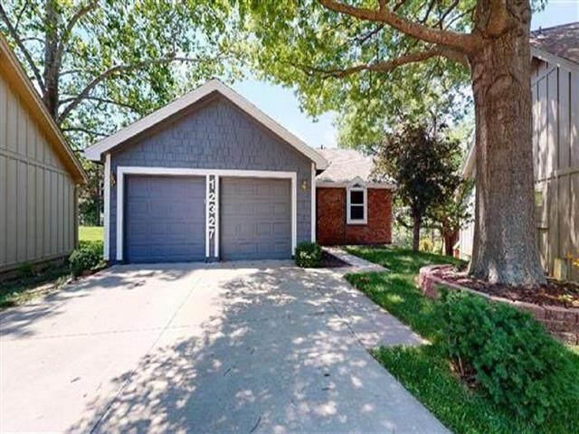12327 W 82 Place, Lenexa, KS 66215 (#2228283) :: Team Real Estate
