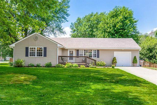 314 S Monroe Street, Raymore, MO 64083 (#2228398) :: House of Couse Group