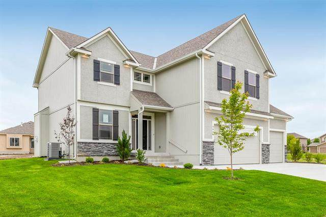 204 SW Davenport Road, Blue Springs, MO 64014 (#2228441) :: Ask Cathy Marketing Group, LLC