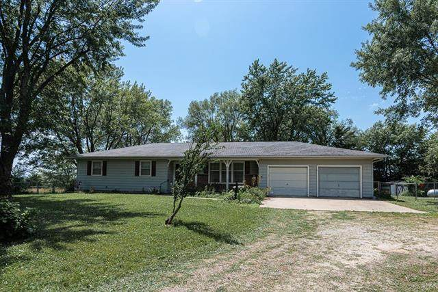 21401 251st Street, Mclouth, KS 66086 (#2228537) :: House of Couse Group