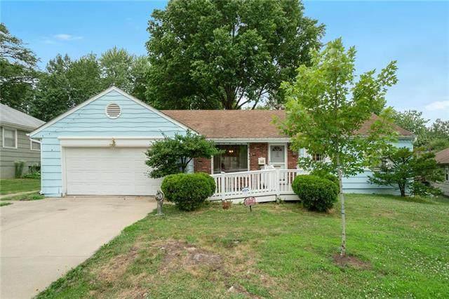 8110 W 92nd Street, Overland Park, KS 66212 (#2228638) :: Five-Star Homes