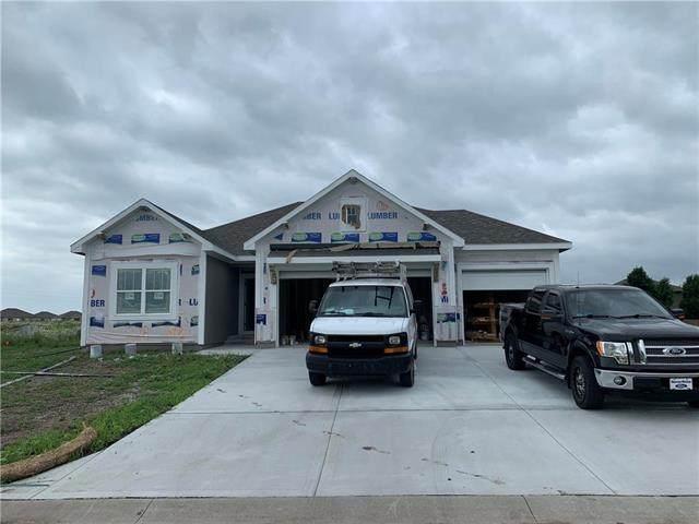 228 SW Davenport Drive, Blue Springs, MO 64014 (#2228642) :: Team Real Estate