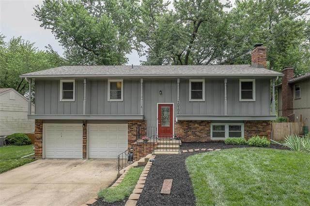 10106 W 92nd Place, Overland Park, KS 66212 (#2228666) :: Eric Craig Real Estate Team
