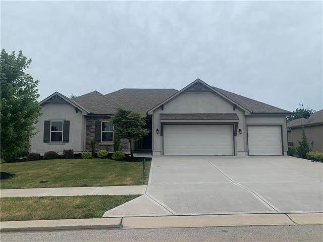 2616 SE 8th Terrace, Blue Springs, MO 64014 (#2228672) :: Team Real Estate