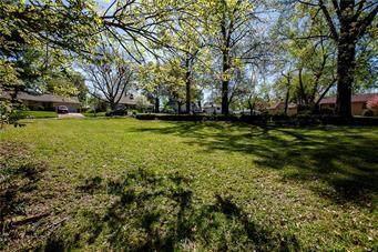 1000 W 88th Terrace, Kansas City, MO 64114 (#2228684) :: Ron Henderson & Associates