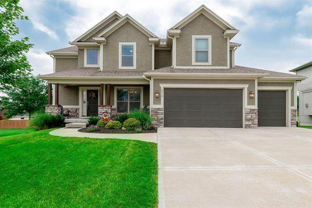 6014 Theden Street, Shawnee, KS 66218 (#2228696) :: Team Real Estate