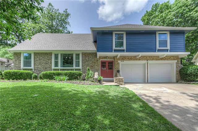 8716 Woodward Street, Overland Park, KS 66212 (#2228709) :: Team Real Estate