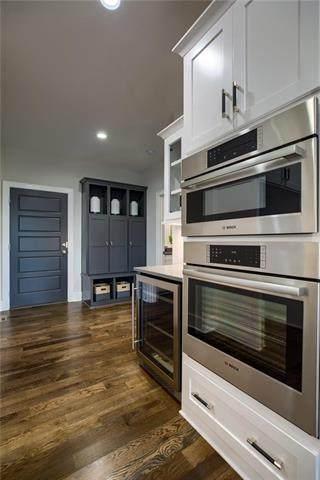 9268 Brownridge Street, Lenexa, KS 66220 (#2228788) :: Team Real Estate