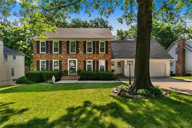 4429 NW Claymont Woods Drive, Kansas City, MO 64116 (#2228801) :: Ron Henderson & Associates