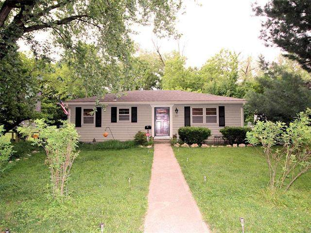 3121 W 43rd Avenue, Kansas City, KS 66103 (#2228841) :: House of Couse Group